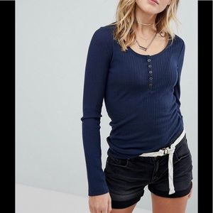 NWT Hollister Henley with lace trim size XS